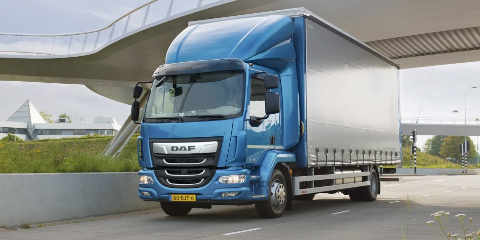 The New LF DAF Trucks Eindhoven Blom-DSW Diesel Service West
